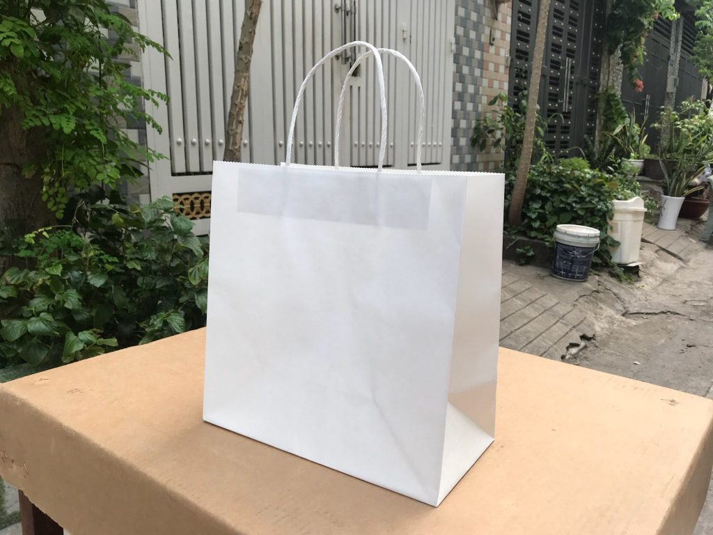 Túi giấy đựng quần áo