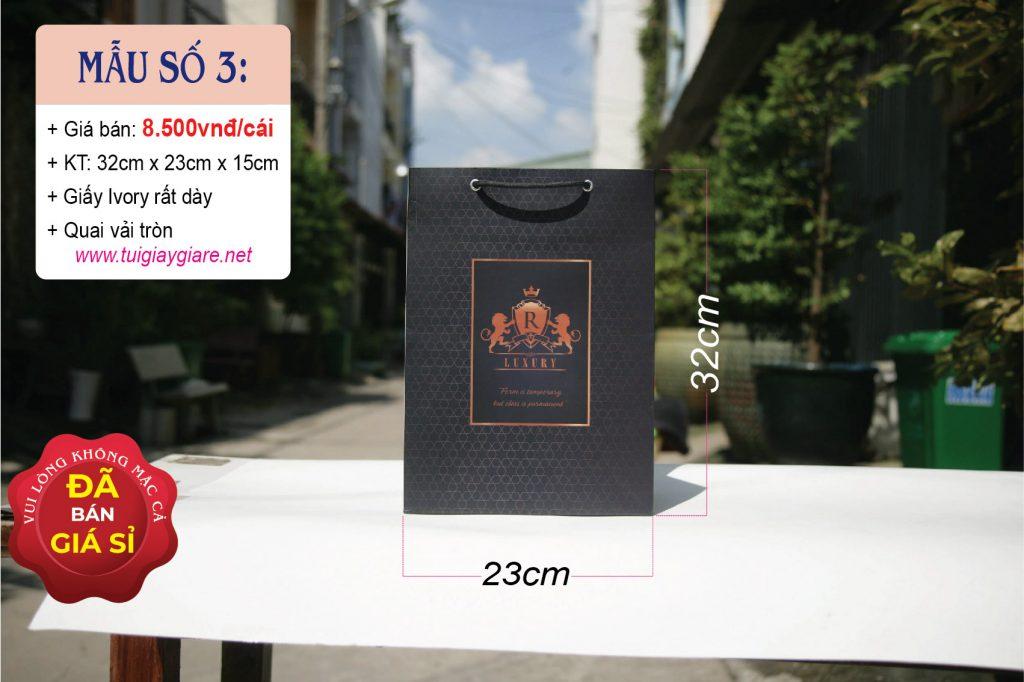 Túi giấy đứng size L do cty Vũ Thị sản xuất & phân phối.