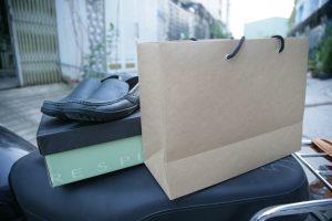 Túi giấy làm sẵn