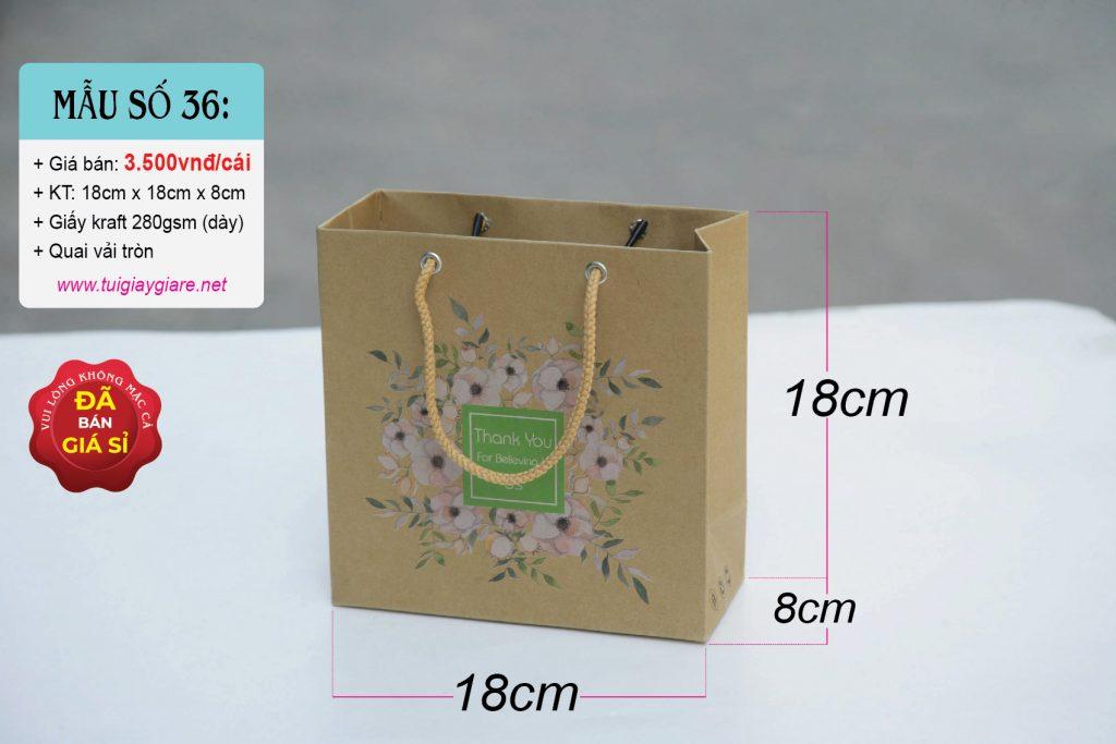 Túi giấy kraft nâu, được làm từ chất liệu thân thiện với môi trường